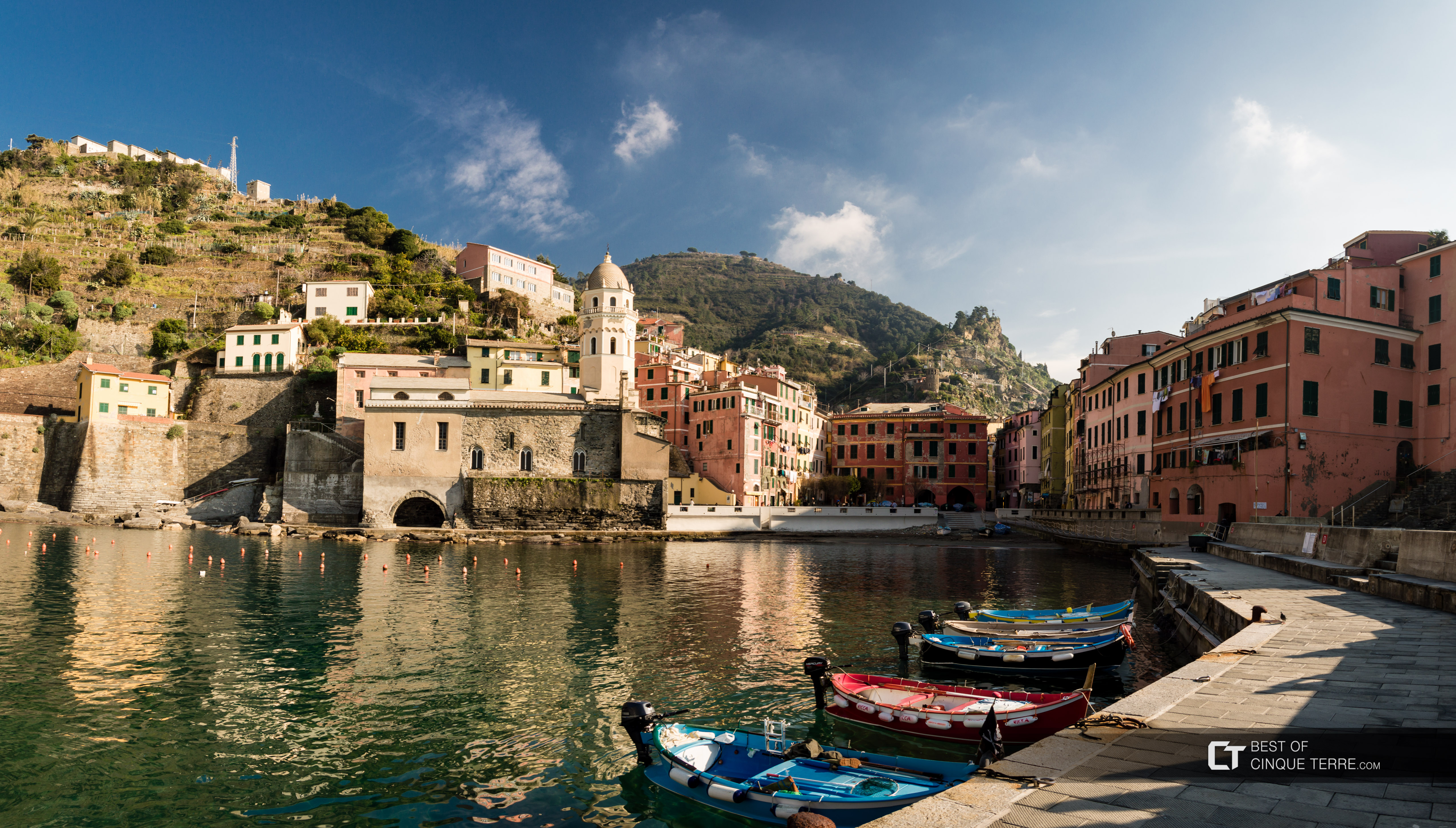 Bay of the village during winter, Vernazza, Cinque Terre, Italy