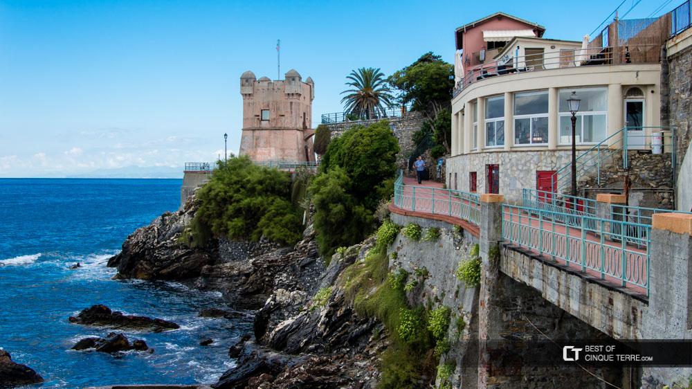 Genova passeggiata anita garibaldi a nervi for Lungomare genova