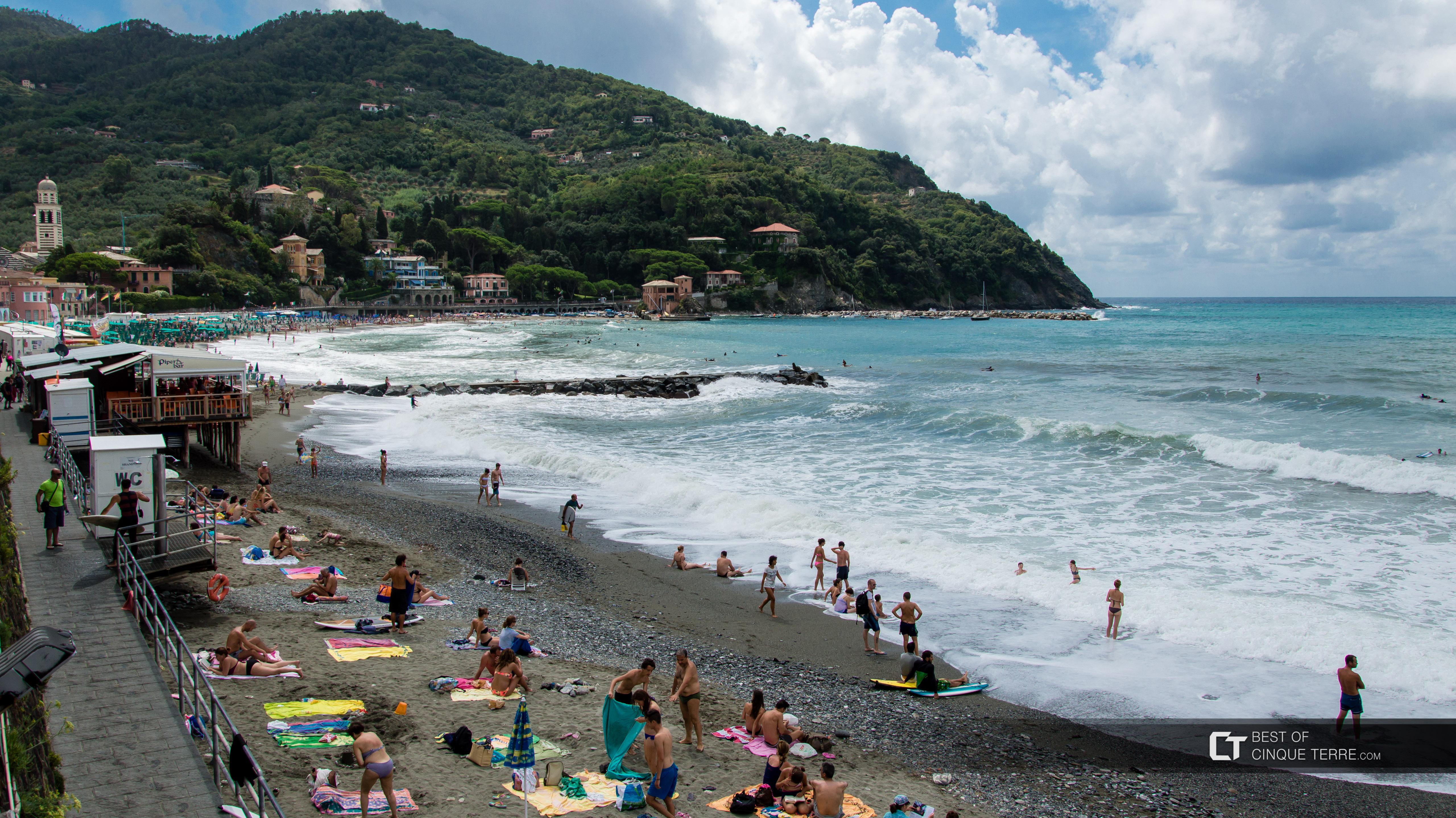 Marisa alla spiaggia nudista  Racconti erotici